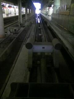 上野発の夜行列車降りたときから…